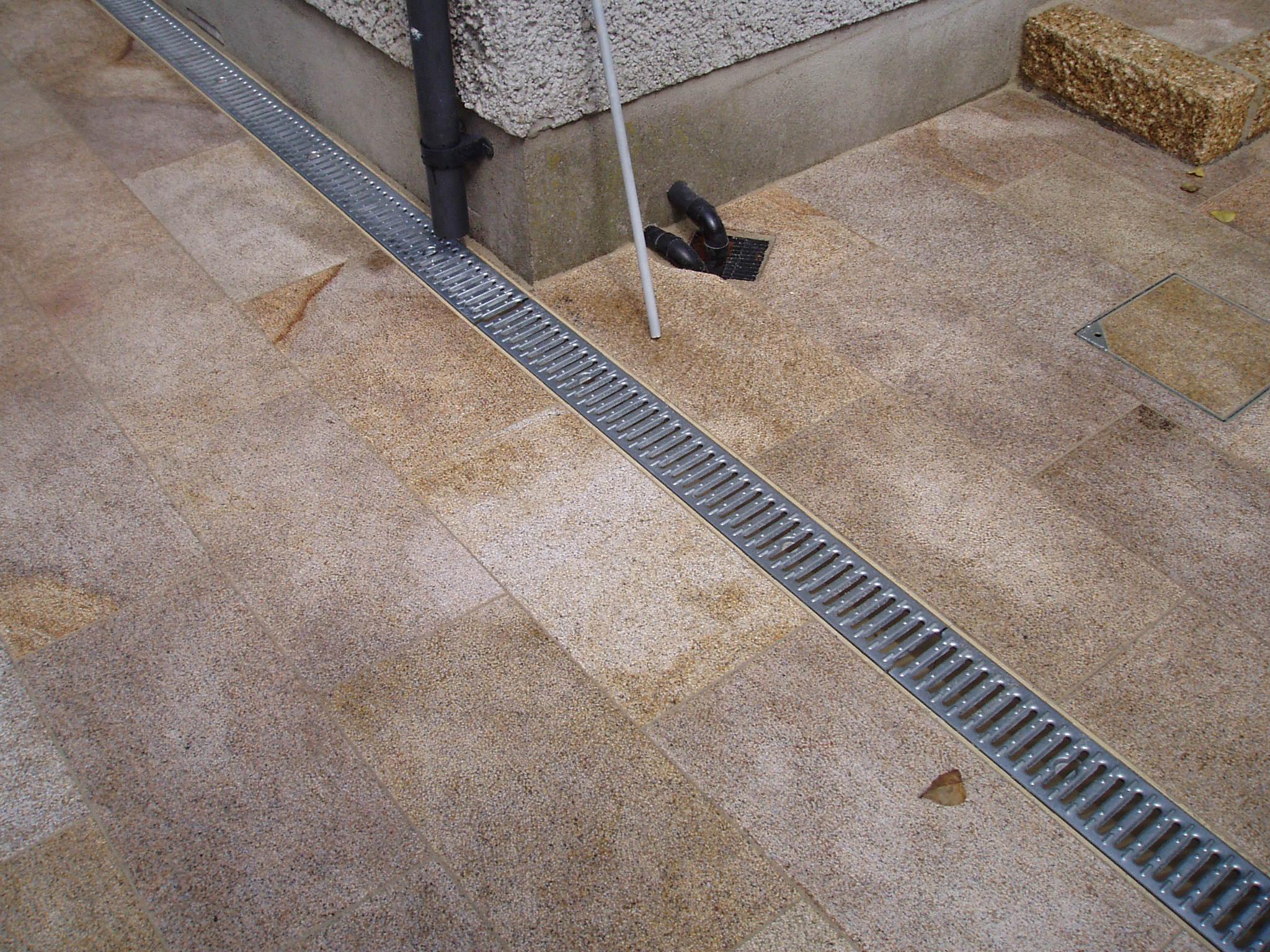 aco drain recessed manhole covers. Black Bedroom Furniture Sets. Home Design Ideas